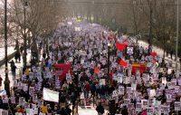 Alleen een revolutie kan de democratie redden, tenzij…